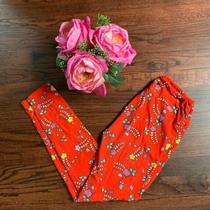 LuLaRoe OS red floral leggings
